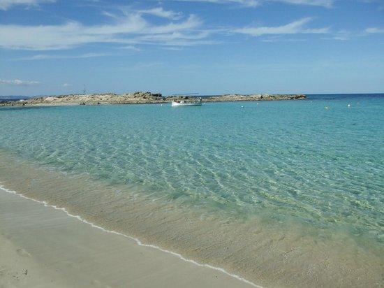 Sa Volta Hotel: Strand von Es Pujols