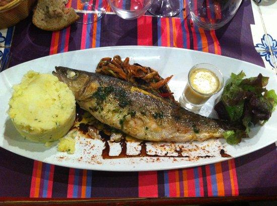 Bistrot de Lacaze : Bar, purée maison et légumes croquant