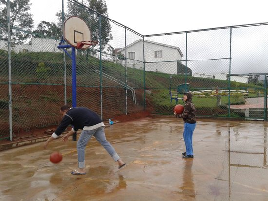 Deccan Park Ooty : Basket Ball filed in the resort