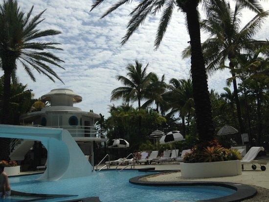 The Raleigh Miami Beach: Pool