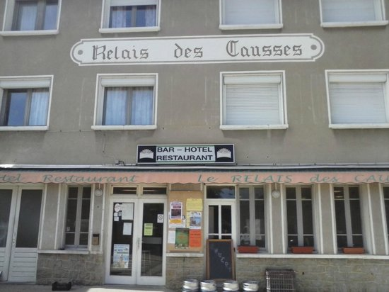 Chanac, France : Façade de l'hôtel restaurant