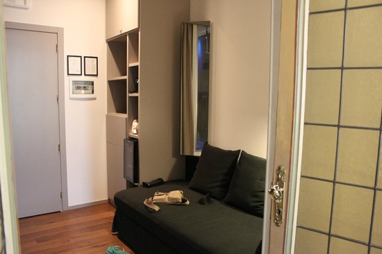 Piazza Farnese Luxury Suites: Lounge and dressing area