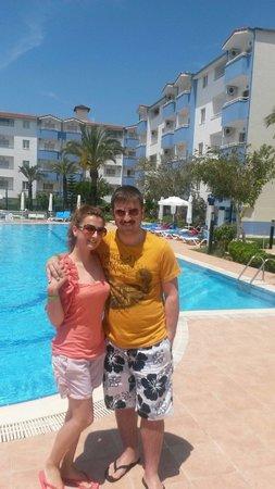 Aral Hotel: Tertemiz,kocaman bir havuz sefası;)