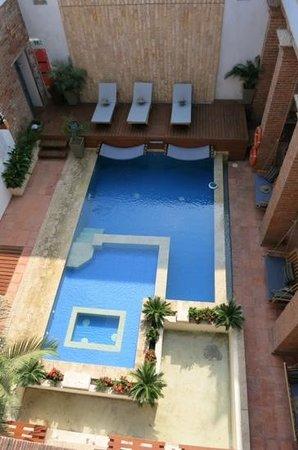 Hotel Boutique Casa Carolina: pool view