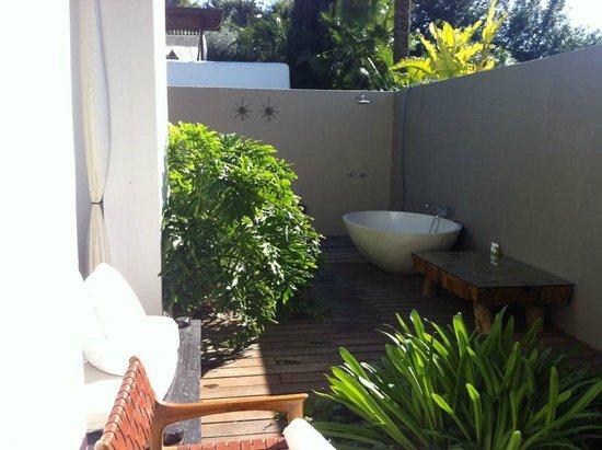 Agroturismo Atzaro: terraza de la habitación