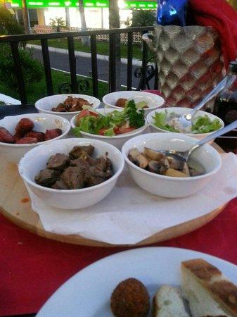 Friends Lounge Bar & Restaurant: The wonderful tapas
