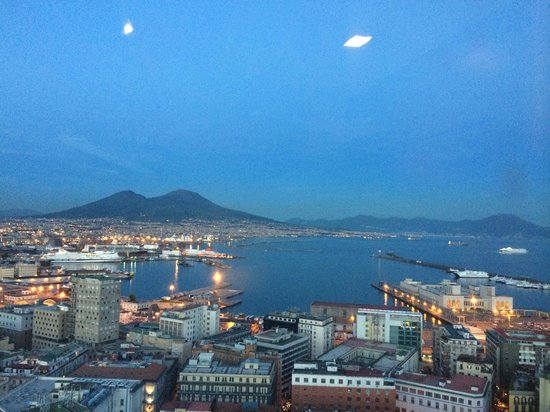 NH Napoli Ambassador : sea view from the room