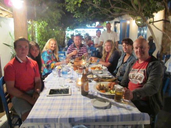 Tony's Taverna: Семейный ужин