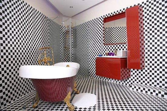 Hotel Drachim : Bathroom in the suite