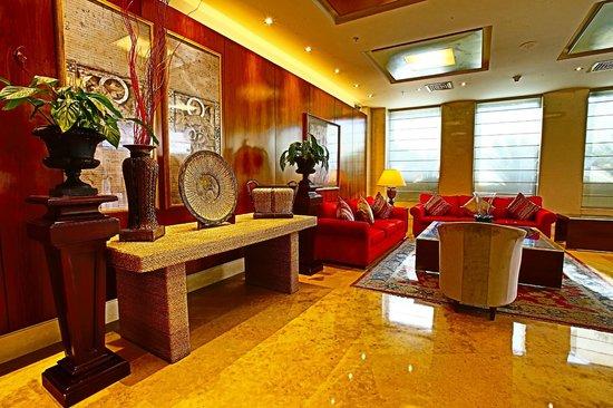 Coral Beach Hotel & Resort: Lobby