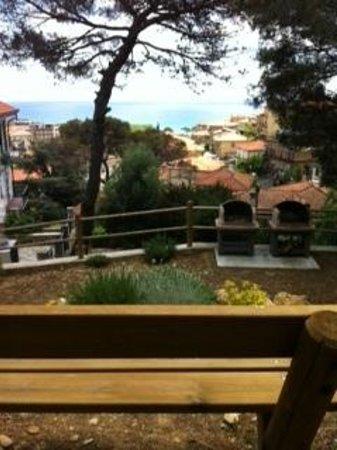 Residence Il Poggio di Andora: barbecue e vista panoramica