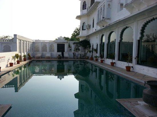 Karohi Haveli: The Pool Area