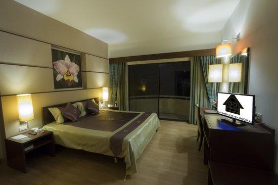 Beach Garden Hotel: Deluxe Sea View