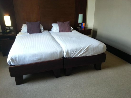 Sheffield Metropolitan: room 612