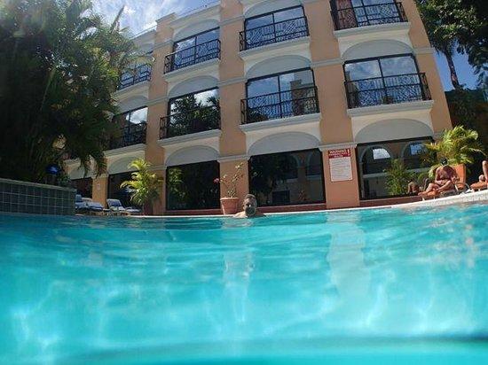Hotel Doralba Inn : Der Pool im Innenhof ist super erfrischend