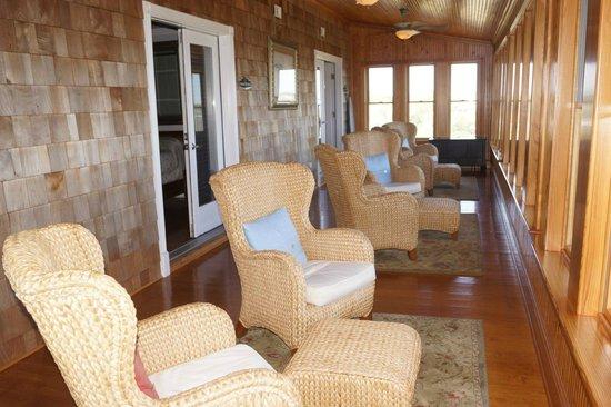 The Burrus House Inn : Awesome sunroom!!