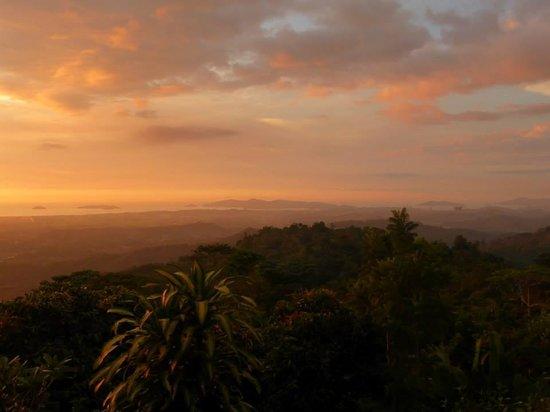 Sinurambi Bed and Breakfast: Another amazing sunset