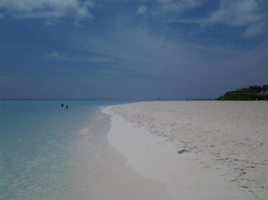 Sun Island Resort and Spa: plage côté ponton