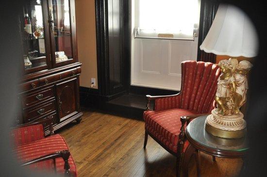 Hotel Le Clos Saint-Louis : Our room