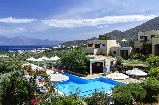 Elounda Heights Apartments and Studios: A view over 'Elounda Heights'