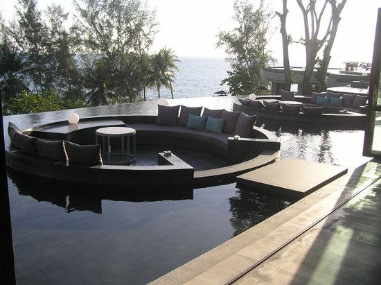 Pullman Phuket Arcadia Naithon Beach : Sunken lounges in lobby & C-Bar