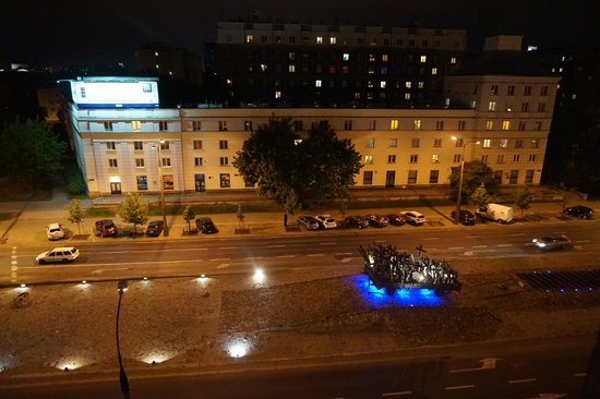 Ibis Warszawa Stare Miasto - Old Town: The view at night, and memorial out front.