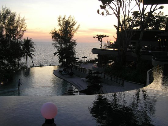 Pullman Phuket Arcadia Naithon Beach : Sunset from C-bar