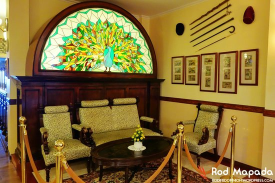 The Peacock Garden: Sala set used by Dr. Jose Rizal
