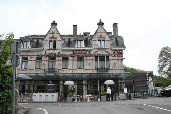 Le Sanglier Des Ardennes: Hotel Front