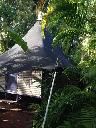 Anbinik Kakadu Resort: Our cute bush bungalow