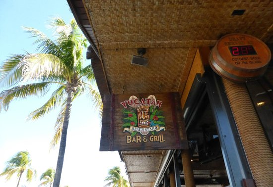 Yucatan Beach Stand Bar : front entrance