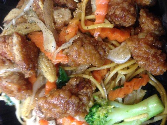 Siam to go: Crispy Chicken Lomein