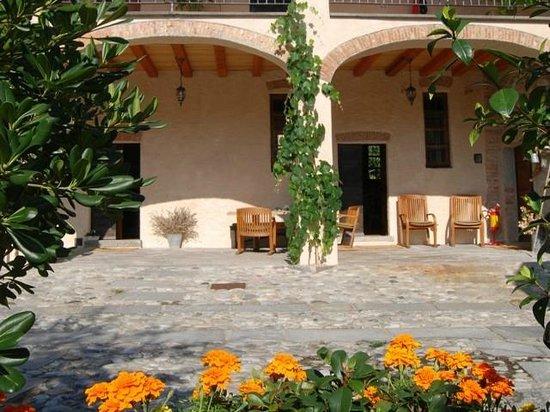 Cascina rodiani green hospitality b b drezzo italia for Cascina merlata prezzi