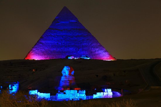 Pyramids View Inn: Sound and Light show from rooftop lounge