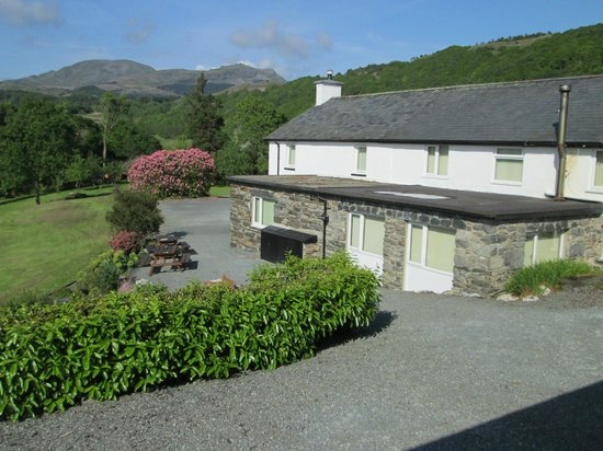 Brynllydan Country Guest House: rooms