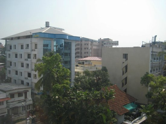 The Avenue Regent : View from the room (facing rear)
