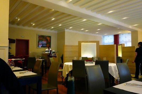 Chez Guy : Inside the restaurant