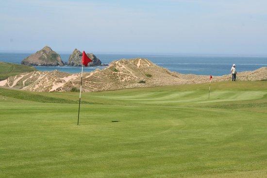 Treworgans Holiday Park: Holywell Golf Course