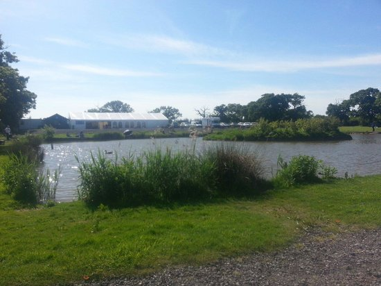 Chester Lakes Camping : One of the main lakes