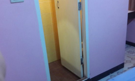 K.S. House: Ensuite Bathroom