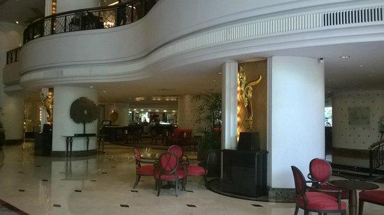 Plaza Athénée Bangkok, A Royal Méridien Hotel : Restaurant
