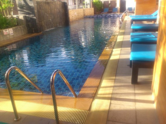 Baramee Resortel : Poolside