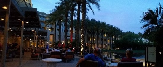 JW Marriott Phoenix Desert Ridge Resort & Spa: The back patio area -- featuring fireplaces, drinks, and appetizers.