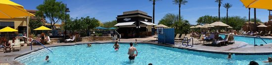 JW Marriott Phoenix Desert Ridge Resort & Spa: Half of Canyon Villa's Pool Area