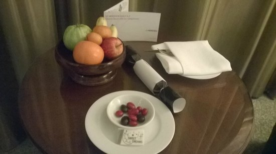 Plaza Athenee Bangkok, A Royal Meridien Hotel: Compliments From Hotel