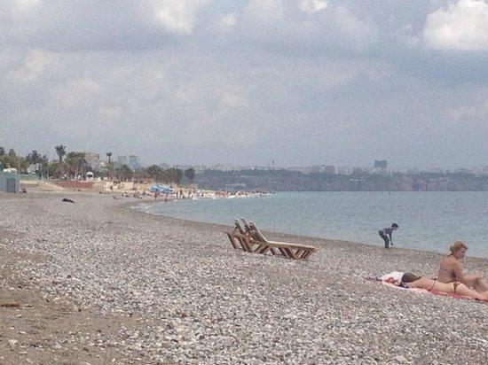 Crowne Plaza Hotel Antalya: Beach