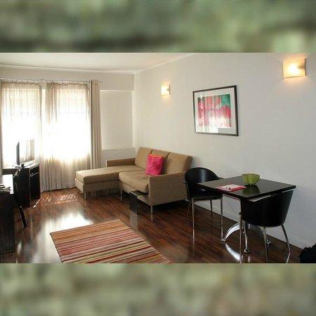 Adderley Hotel: Wohnzimmer der >Luxus Suite< in der 7.Etage