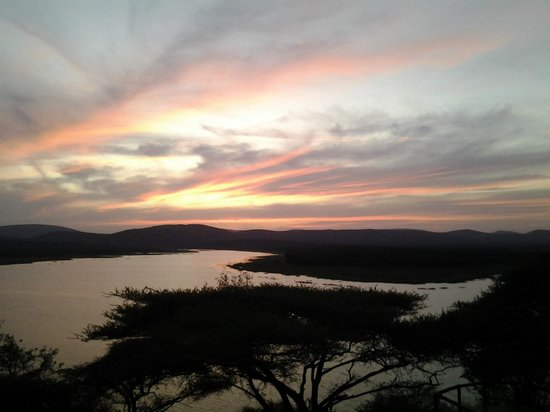 Nkwazi Lake Lodge : Sunset from the lodge