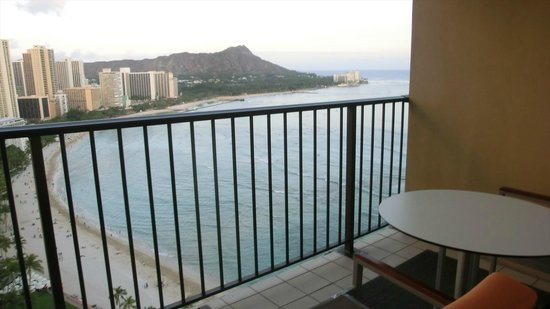 Sheraton Waikiki: Diamond Head from Lanai