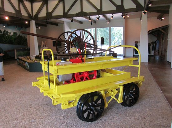 Texas Forestry Museum: 1920's railcar